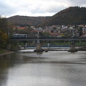 Rivier Berounka in het Cesky Kras