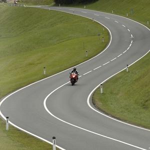 Impressies uit 13 landen langs een weg met 6.666 km rijplezier!