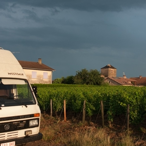 Langs Franse wijngaarden rijden