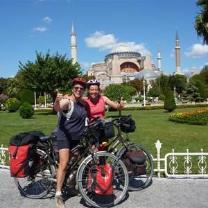Aankomst in Istanbul na een schitterende fietstocht.